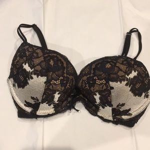 Victoria's Secret Push Up Bra 32d